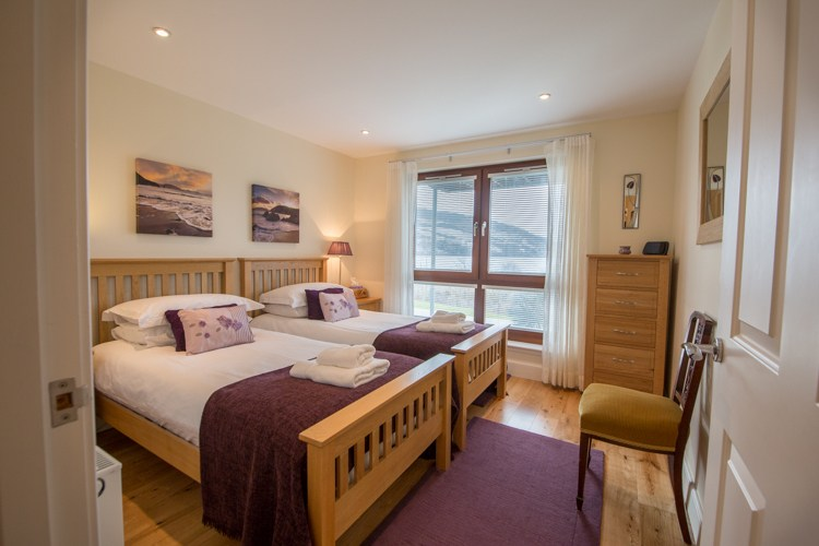 Twin Bedroom with views of the Loch