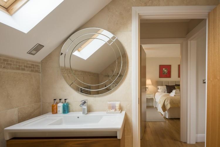 Shower room next to bedroom