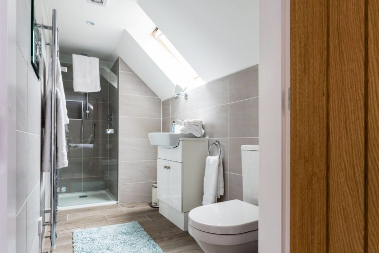 Croftness Cottage en suite with shower