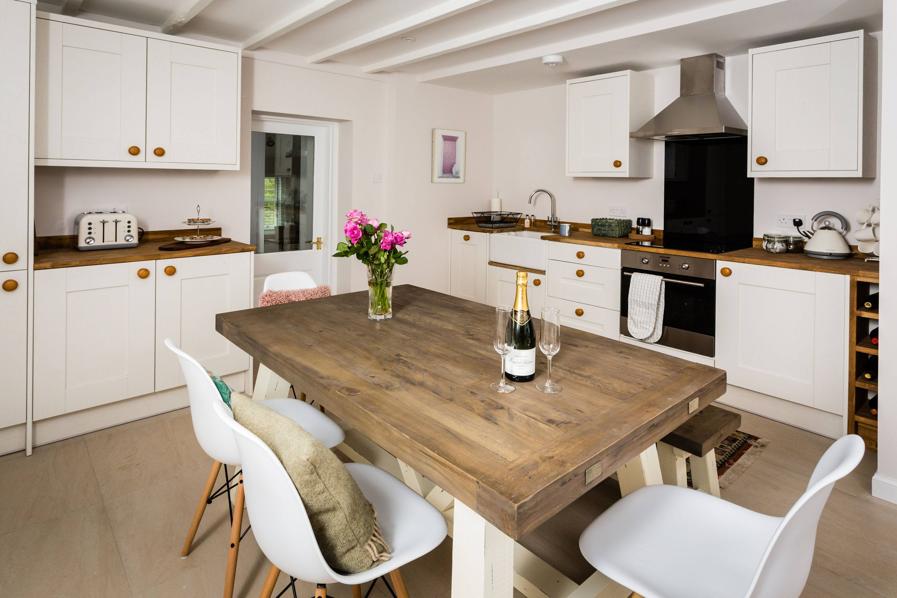 Croftness Cottage kitchen with dining table which seats 6
