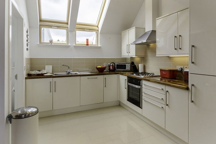 Ben Lawers modern open plan kitchen
