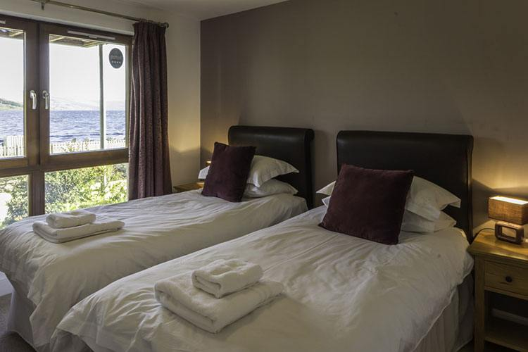 Ben Lawers twin bedroom with views over Loch Tay