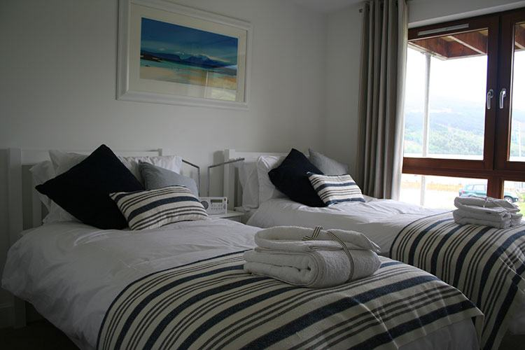 Ben Macdui twin bedroom with views of Loch Tay