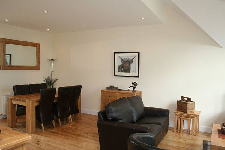 Tarmachan open plan dining and living area