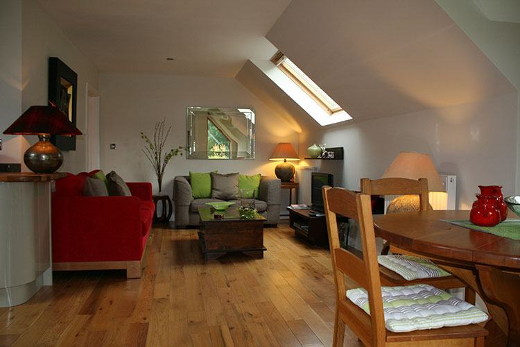 The Wee Cosy Nook open plan dining and living area