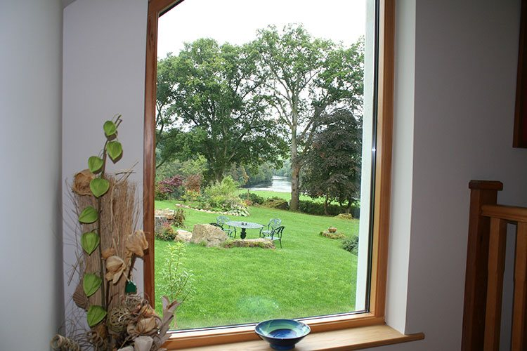The Wee Cosy Nook view of large gardens and River Tay
