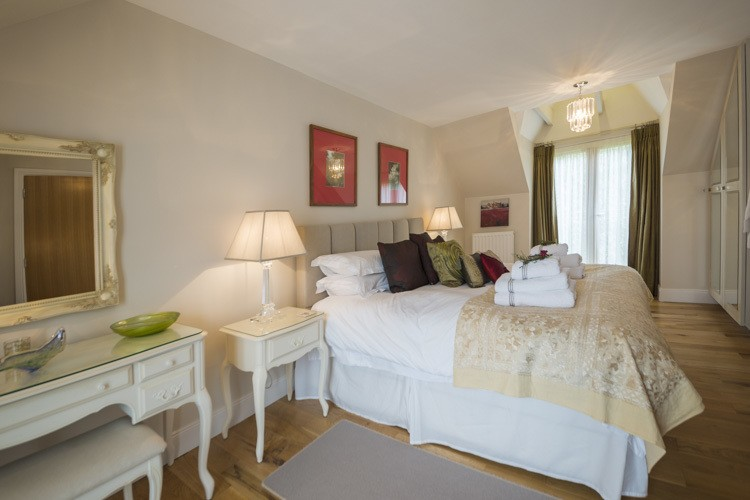 Stylish and romatic bedroom
