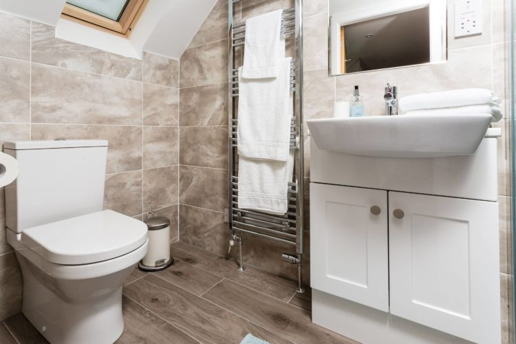Croftness Cottage bathroom