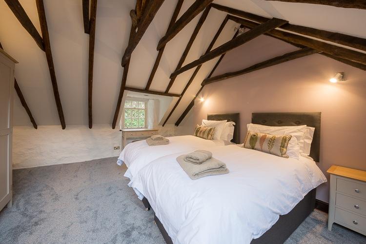 Zip and link bedroom