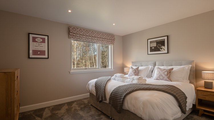 Bedroom 2 with zip and link beds which can be a super king or single beds