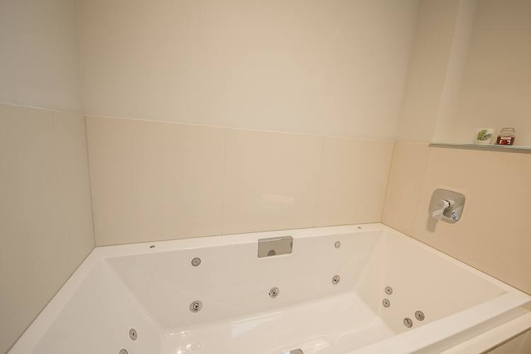 Jacuzzi Bath in master en-suite