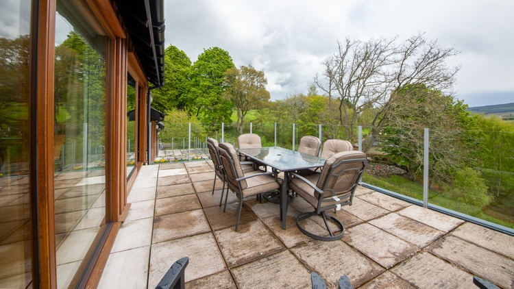 Dining Terrace with glass balustrade