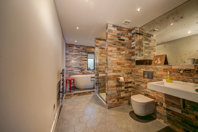 Fabulous family bathroom which sits between bedrooms 2 and 3.